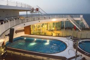 CorsicaCom-Agence média-régie publicitaire-publicité Corse écran affiche daniel casanova piscine